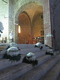 Image of church interior at Bardi Petoia1